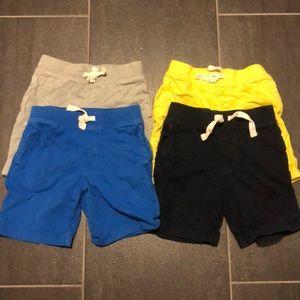 Set of 4 baby gap shorts